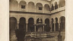 Patio central de la Casa de Pilatos en 1853