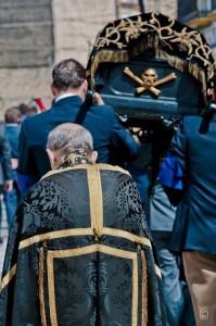 procesión de los huesos realizada por la Hermandad de la Santa Caridad en Marchena.